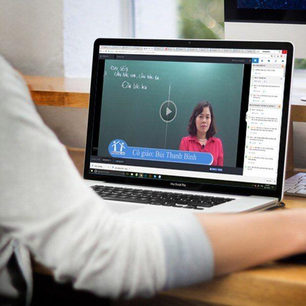 """Nghỉ học dài ngày: Trường đại học """"chuyển hướng"""" sang học trực tuyến xu hướng học tập của tương lai"""