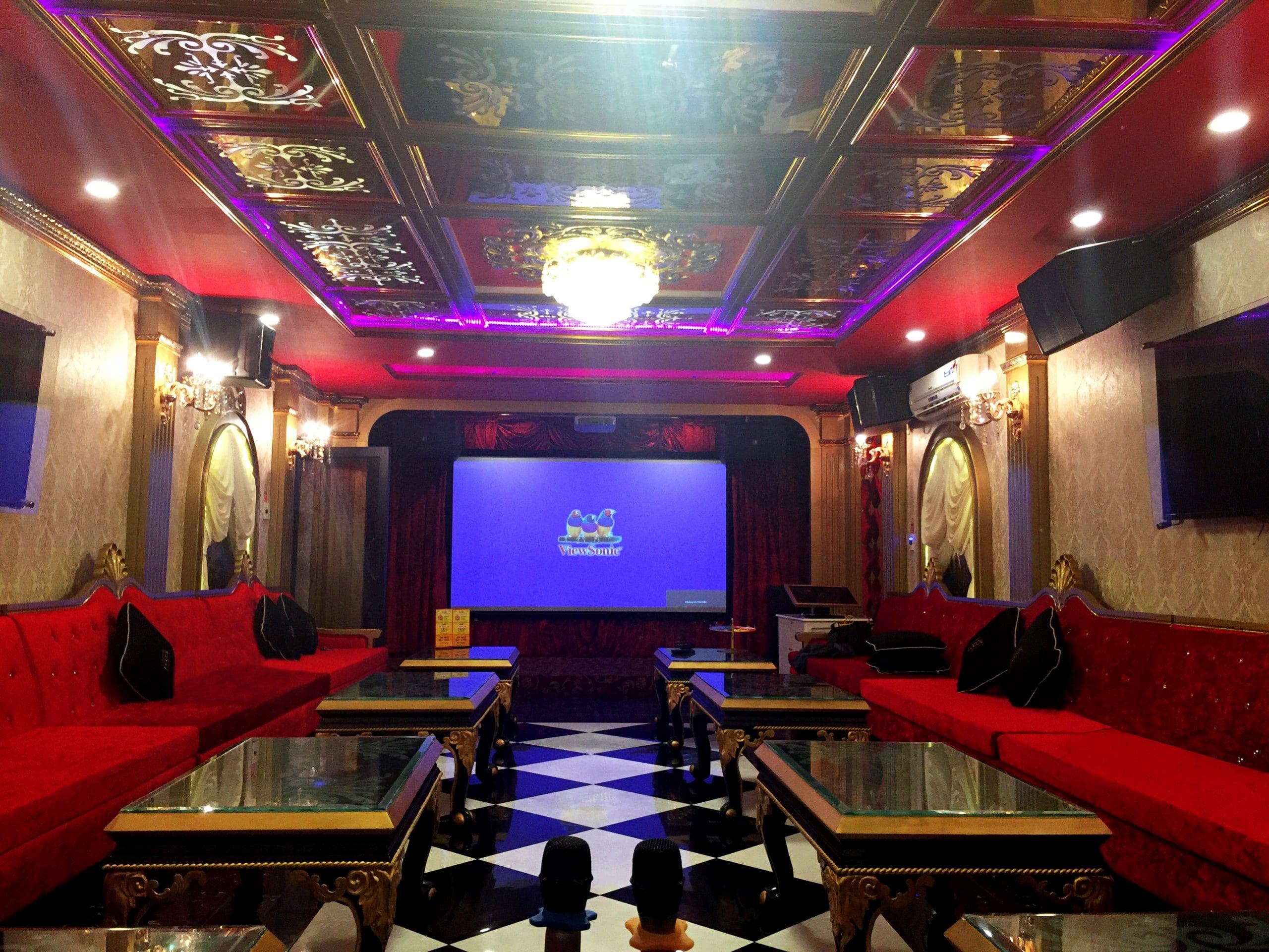 Dự án cung cấp máy chiếu cho hệ thống Karaoke Icool