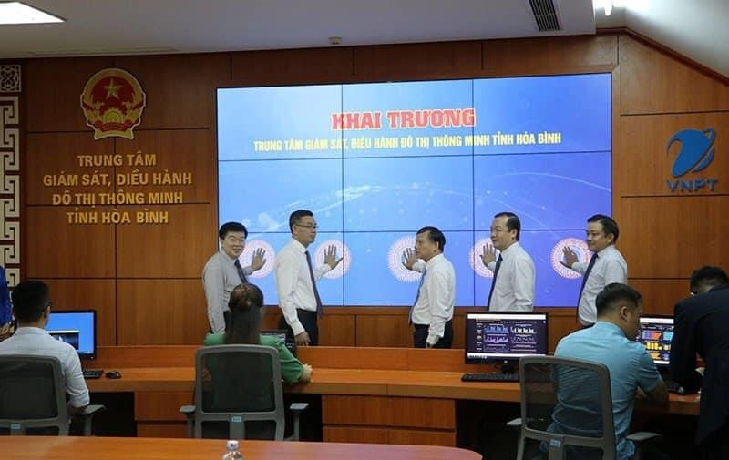 LT Group hỗ trợ bàn giao Giải pháp trung tâm điều hành Đô thị Thông Minh tỉnh Hoà Bình.