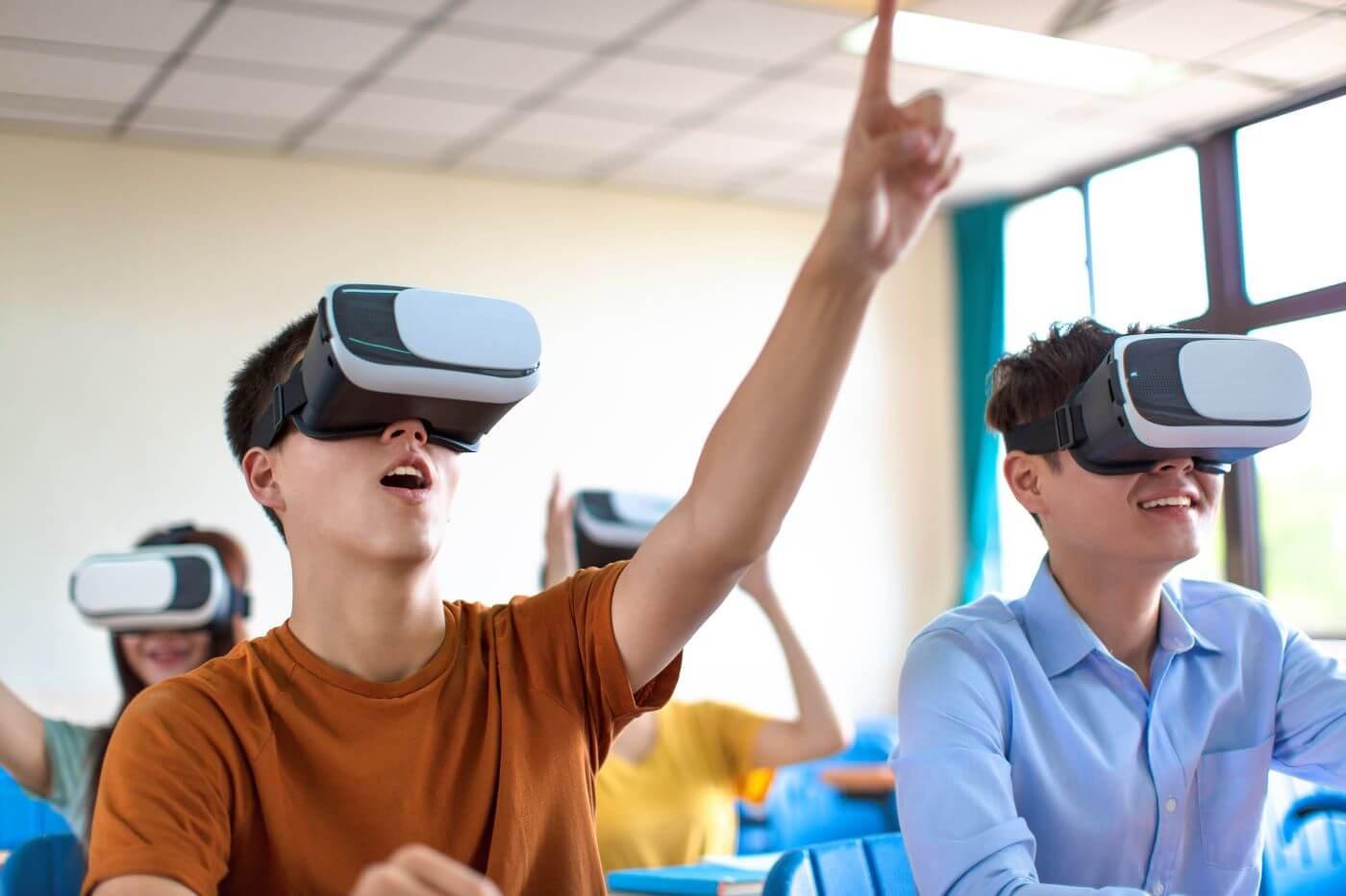 Ứng dụng công nghệ thực tế ảo: Xu thế đào tạo mới trong kỷ nguyên 4.0