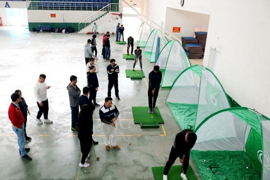 Dạy golf trong trường học: Học để biết… khái niệm