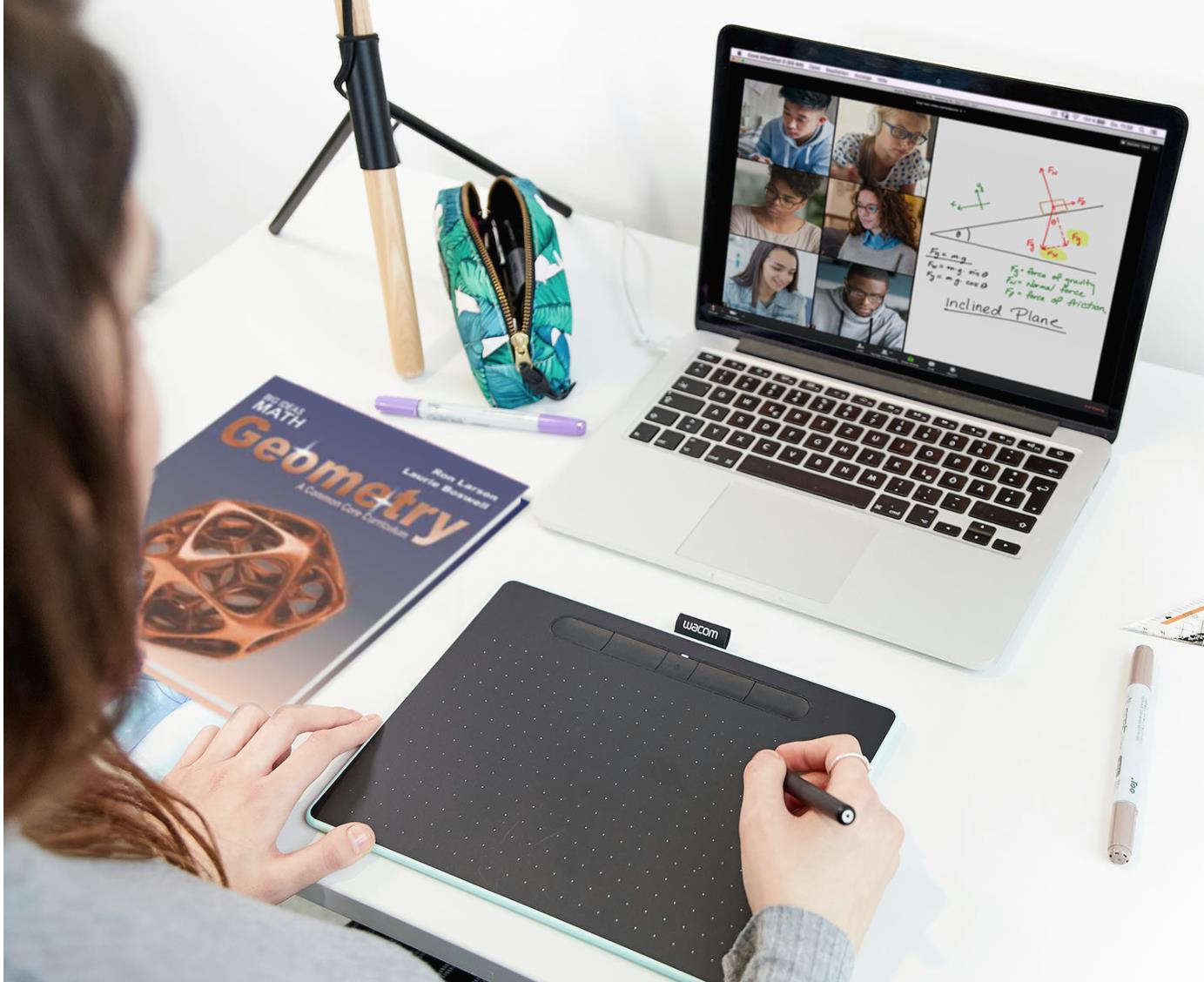 Bảng điện tử Aikyo cho dạy học online