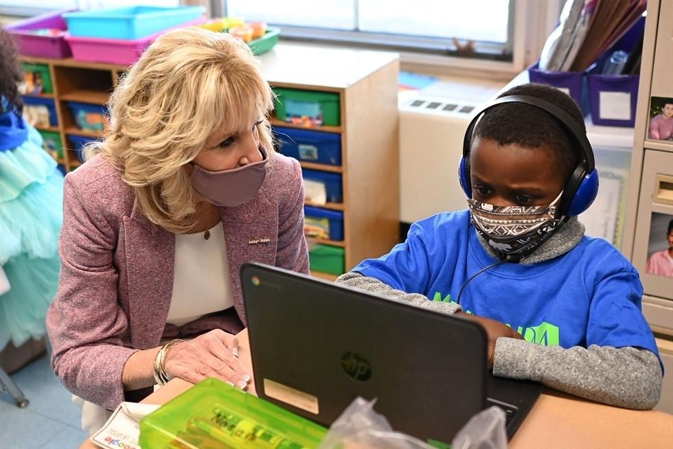 Đệ nhất phu nhân Jill Biden dạy môn gì khi quay lại giảng đường?