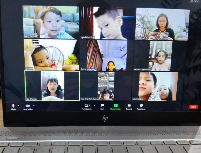 Công nghệ đồng hành cùng nhà giáo: Không dừng việc học