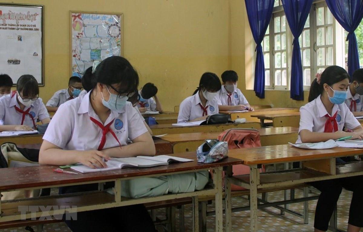 Hướng dẫn thực hiện Chương trình giáo dục trung học ứng phó dịch Covid-19